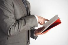 年収と読書の関係…お金持ちに読書家が多い理由