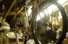 なぜ街の自転車屋は潰れないのか?