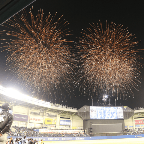 開幕戦で花火を打ち上げたZOZOマリンスタジアム