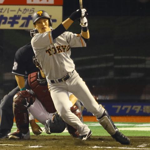 静かなブーム「野手の捕手練習」を追ってみた。巨人では元捕手・石川慎吾に初心者・中井大介も?