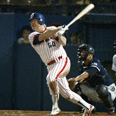初出場の試合で3打数2安打1本塁打でデビューしたヤクルト・ホーナー